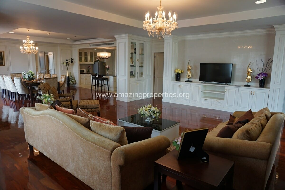 Piyathip 4 Bedroom Penthouse with Garden
