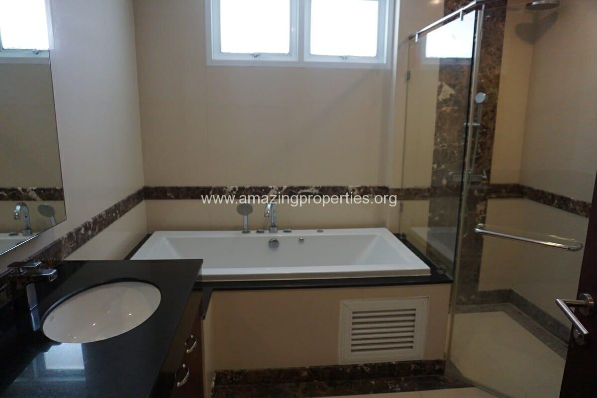 Piyathip Place 3 Bedroom Apartment-16