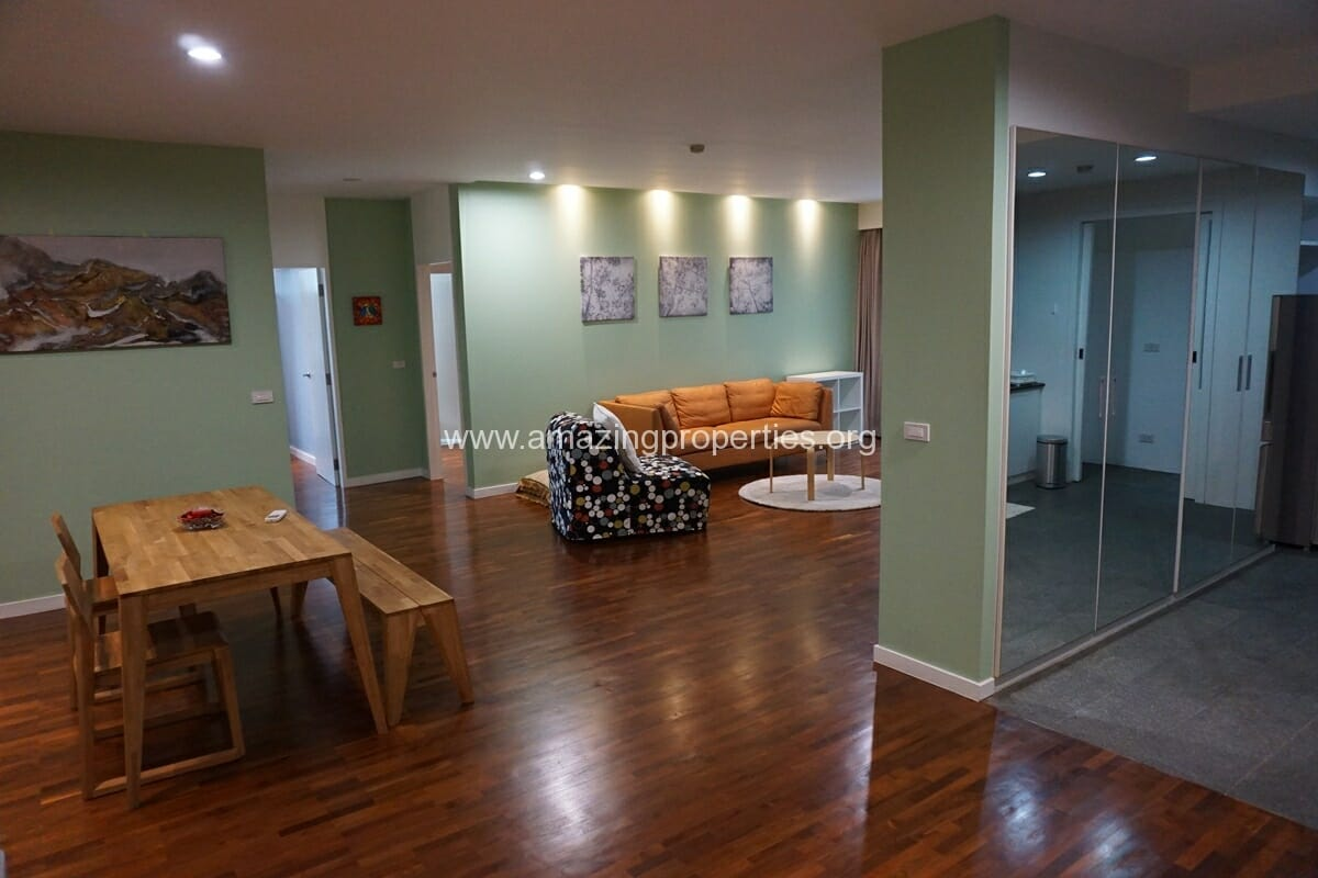 2 Bedroom Condo Noble House Ruamrudee-19