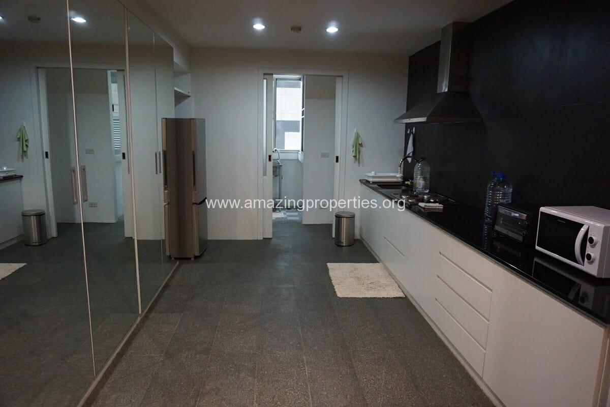 2 Bedroom Condo Noble House Ruamrudee-2