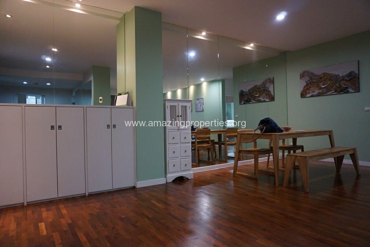 2 Bedroom Condo Noble House Ruamrudee-9