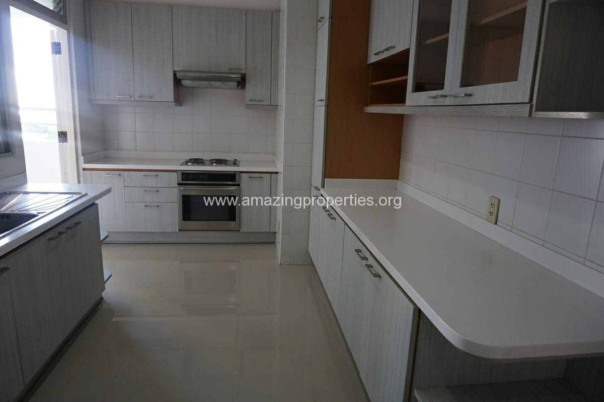 3 Bedroom Apartment Krungthep Thani Tower-7