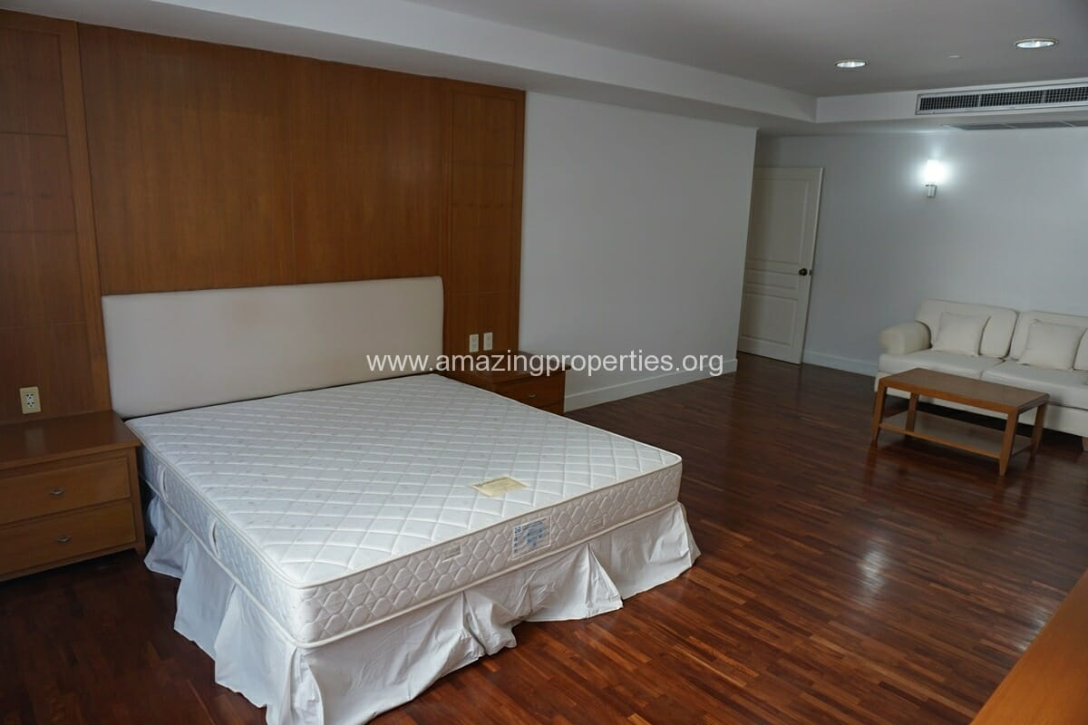 Krungthep Thani Tower 3 Bedroom Apartment -11