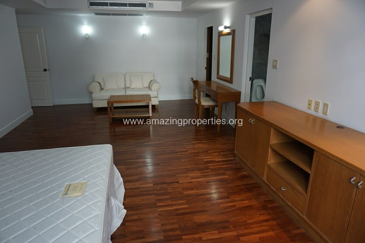 Krungthep Thani Tower 3 Bedroom Apartment -12