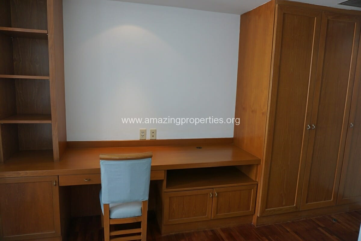 Krungthep Thani Tower 3 Bedroom Apartment -17