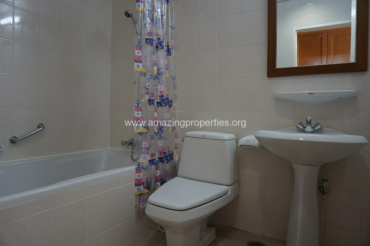 Krungthep Thani Tower 3 Bedroom Apartment -18