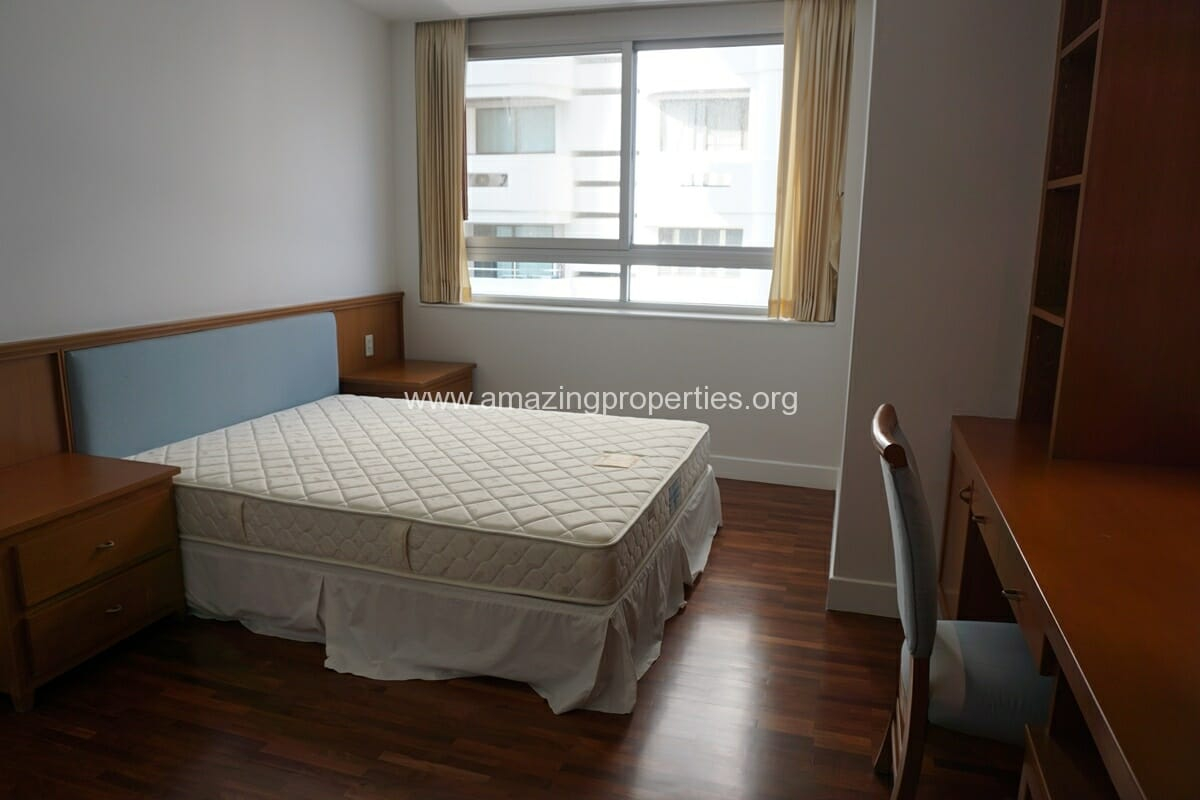 Krungthep Thani Tower 3 Bedroom Apartment -19
