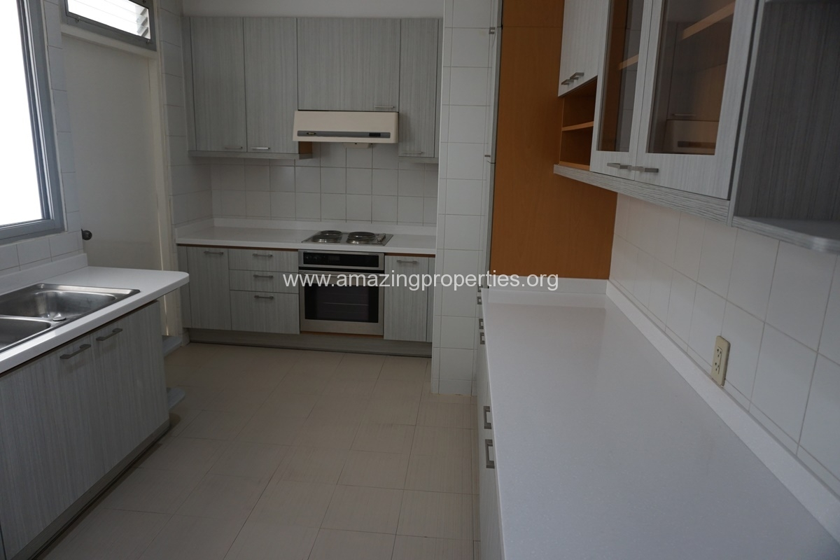 Krungthep Thani Tower 3 Bedroom Apartment -2