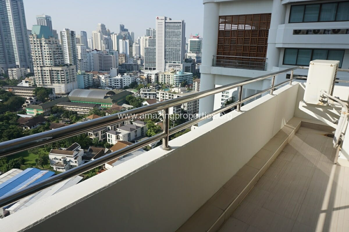 Krungthep Thani Tower 3 Bedroom Apartment -4