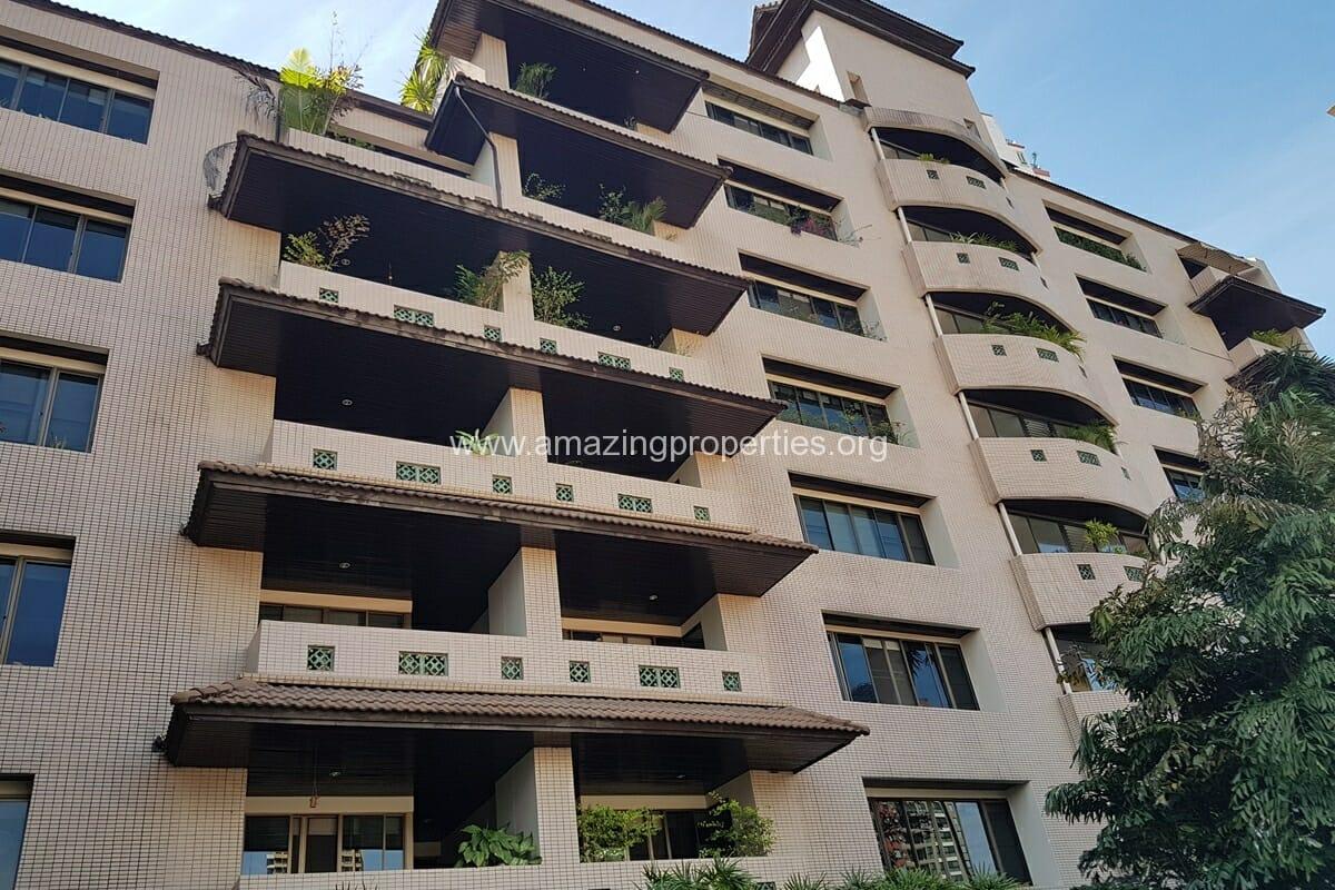 Raintree Village Apartment-1