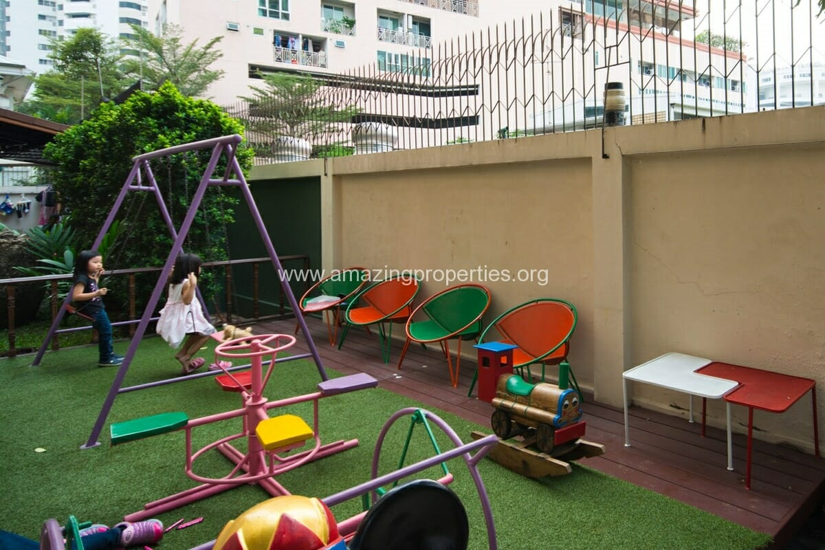 Raintree Village Apartment-8
