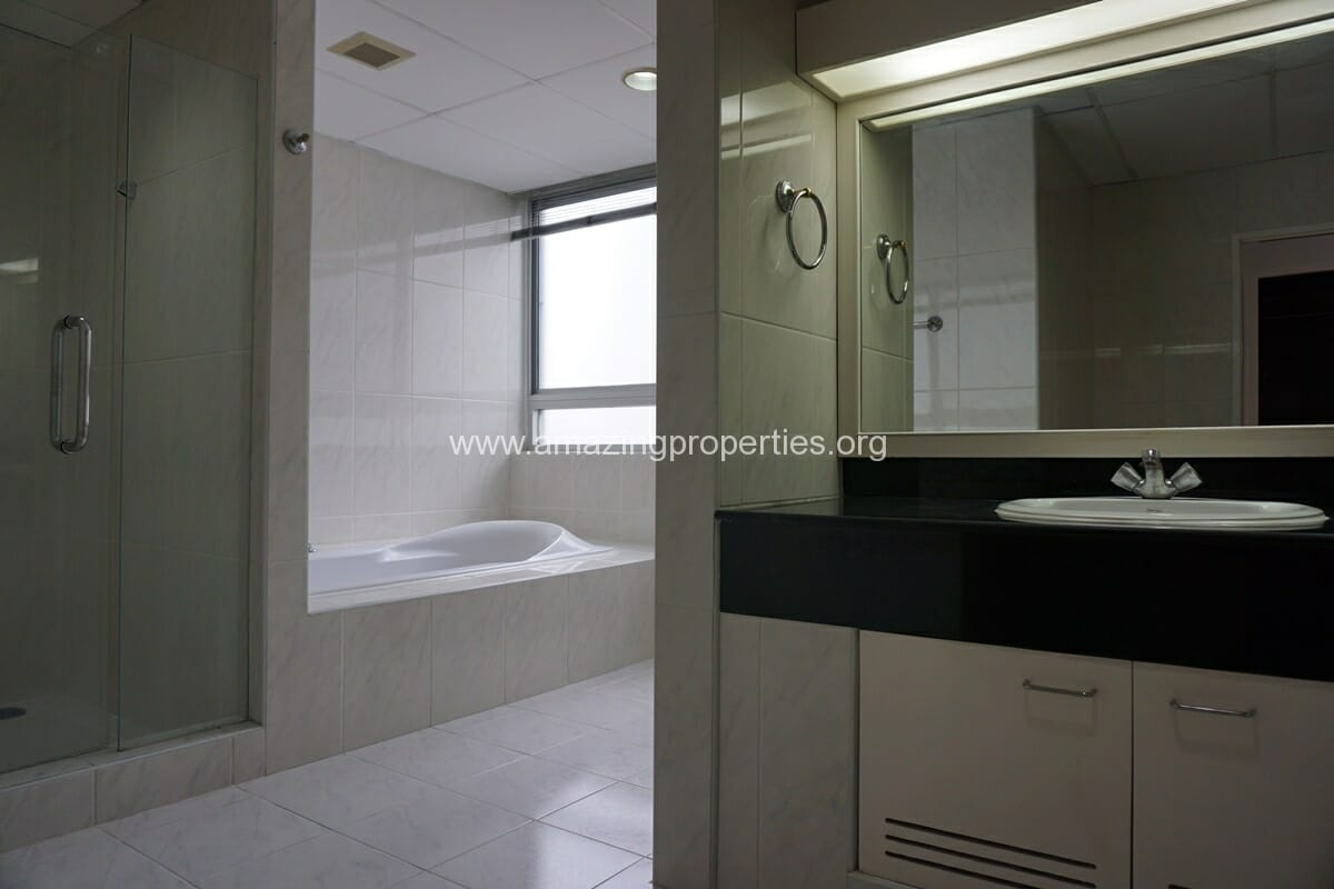 3 Bedroom Penthouse Krungthep Thani Tower-6