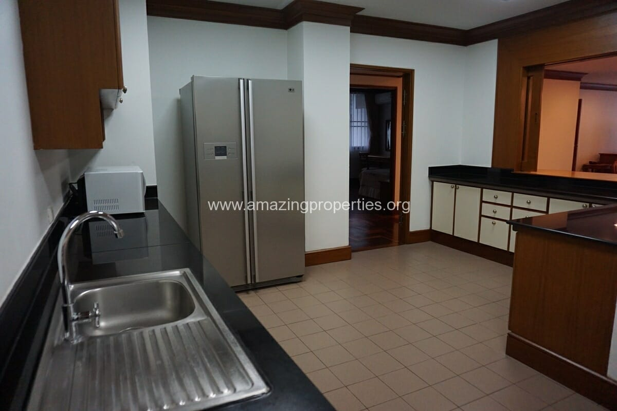 Baan Pakapun 3 Bedroom Apartment-9