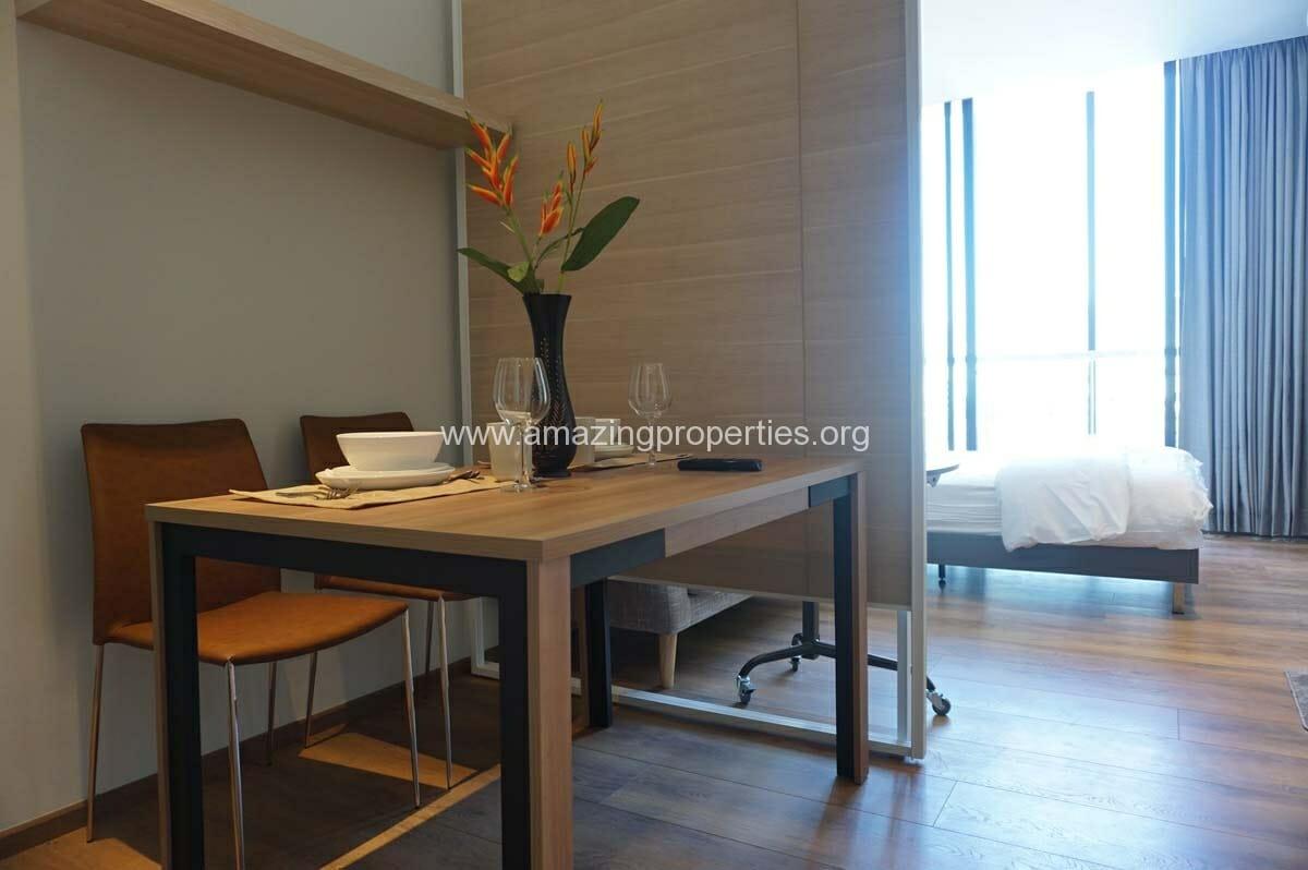Studio Park 24 Condominium-3