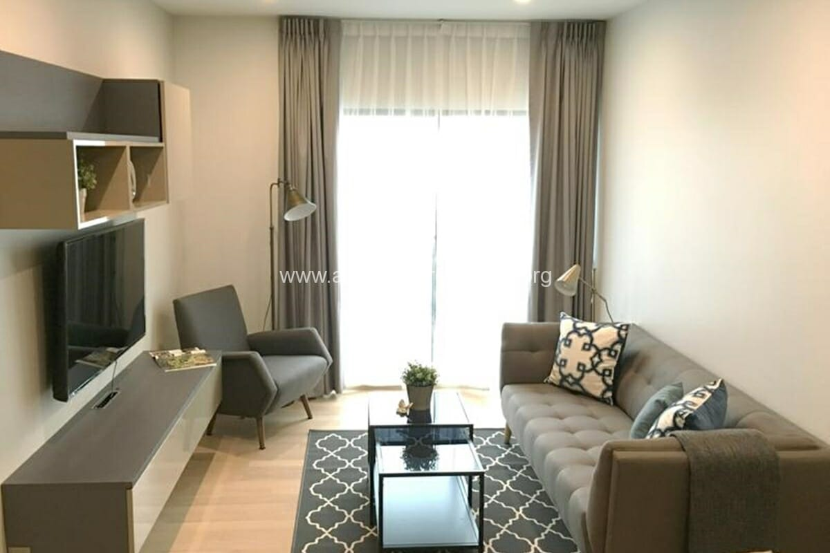 1 Bedroom condo Noble Refine