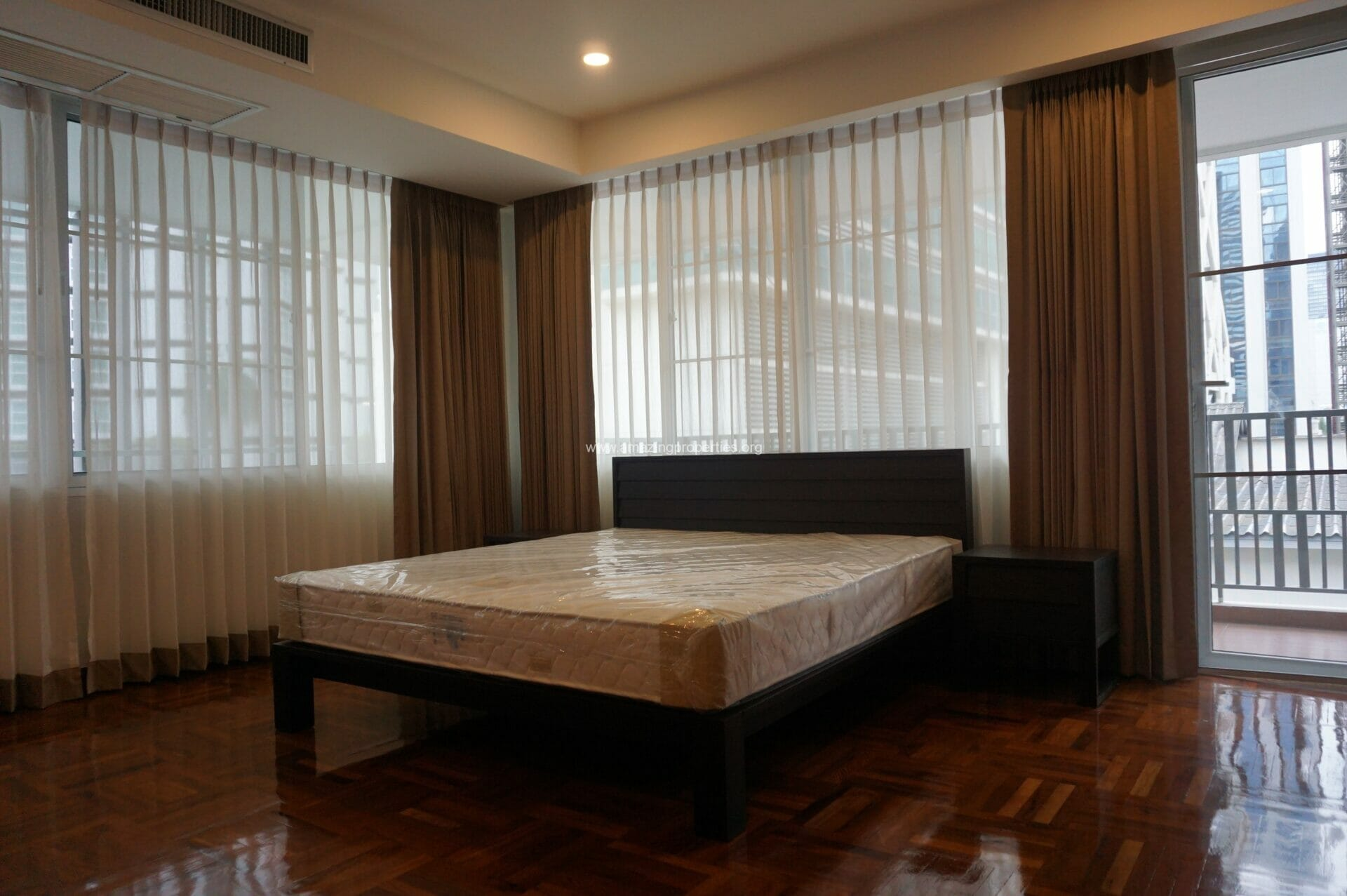 3 Bedroom Apartment For Rent At Villa Insaf Amazing Properties