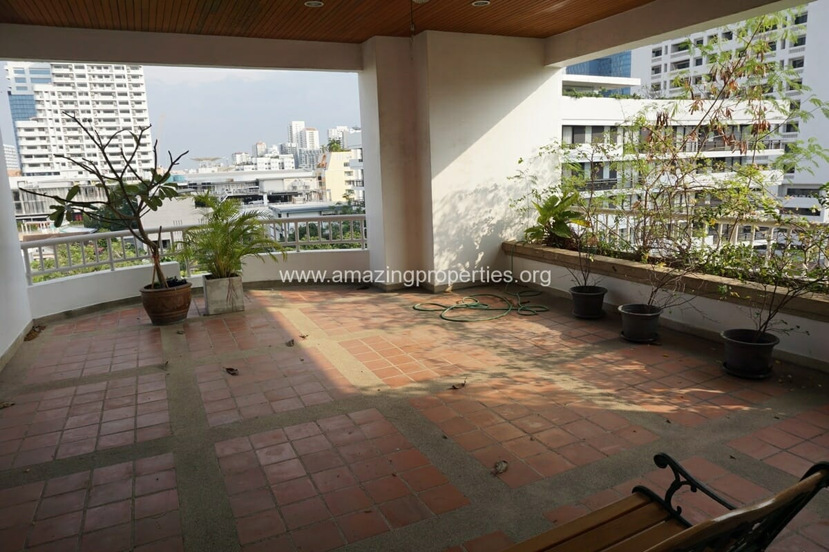 4 Bedroom Penthouse Baan Phansiri-1