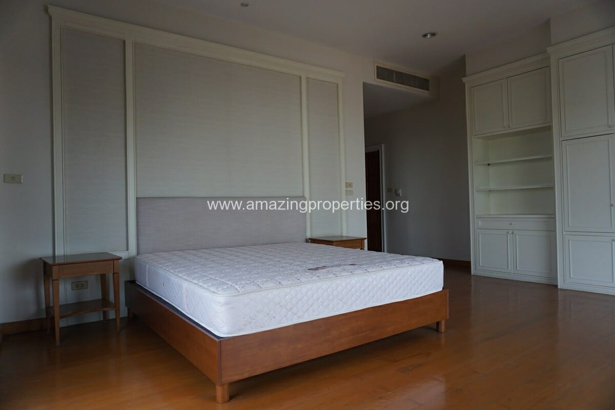 4 Bedroom Penthouse Baan Phansiri-21