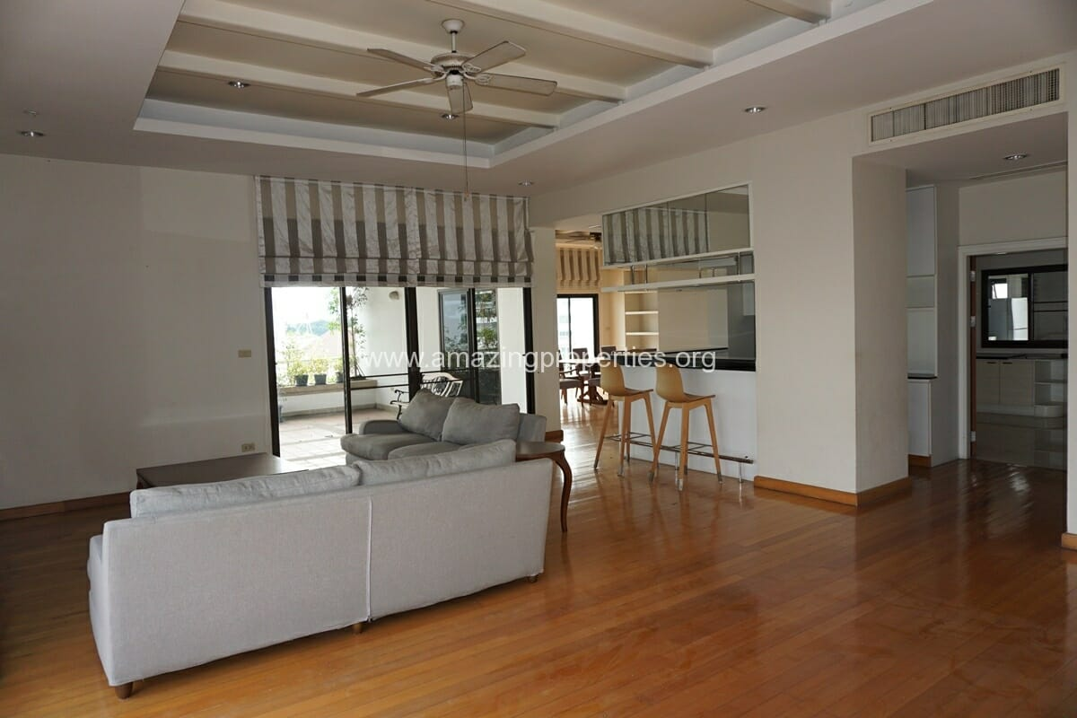 4 Bedroom Penthouse Baan Phansiri-25