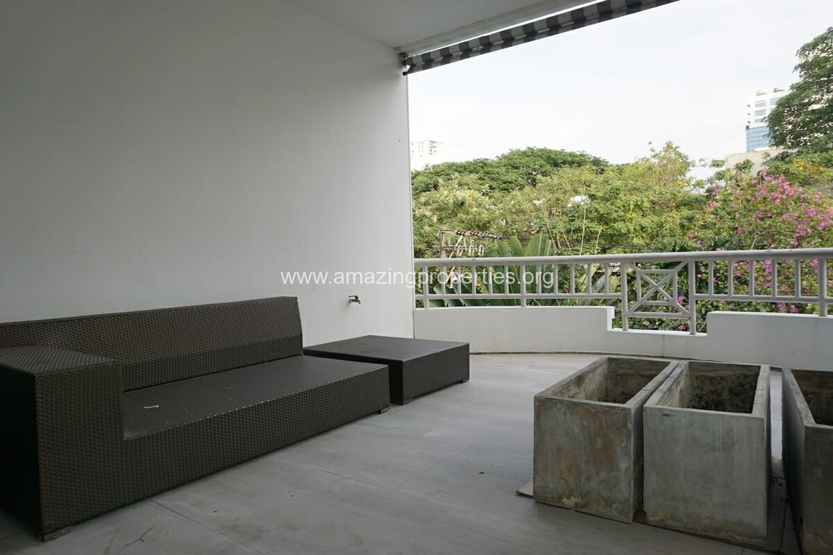 4 bedroom Baan Phansiri-28