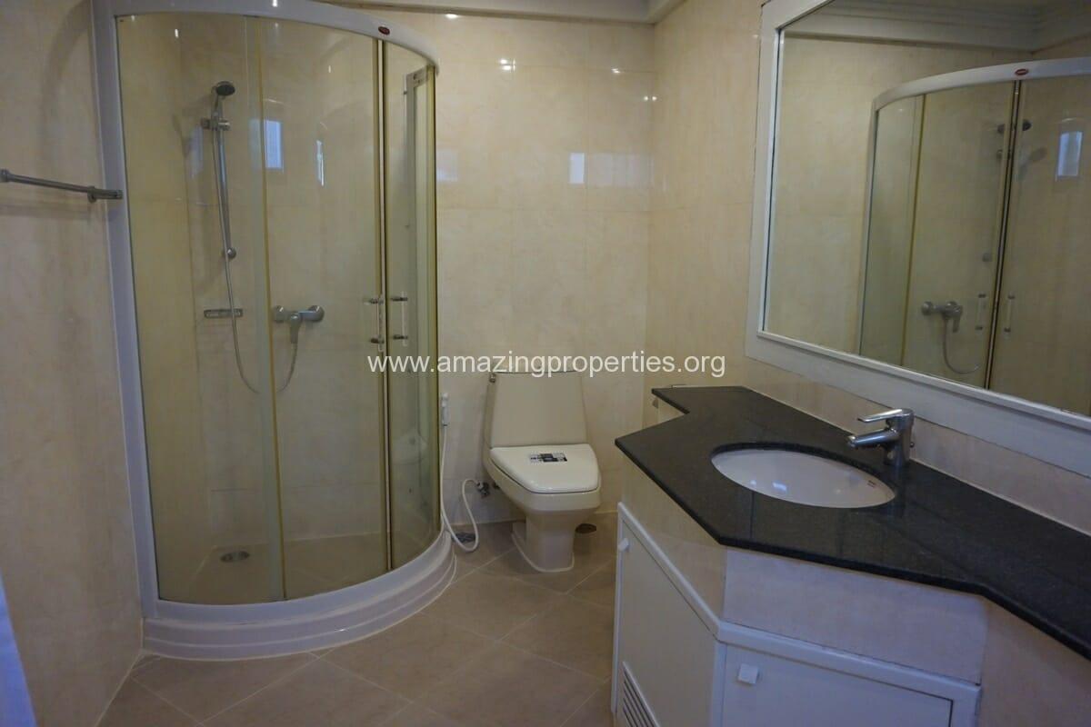 Cosmo Villa 3 Bedroom Apartment-21