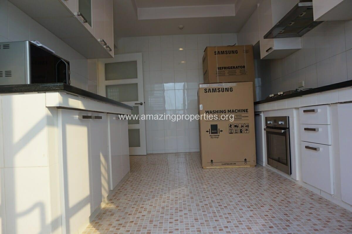 Cosmo Villa 3 Bedroom Apartment-3