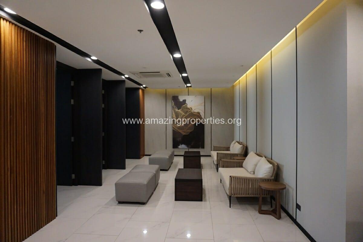 New House Condominium