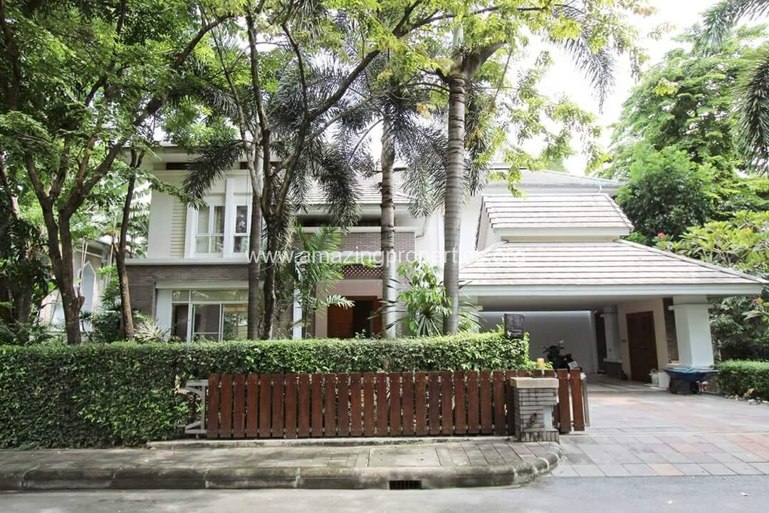 Thonglor 4 bedroom House with pool