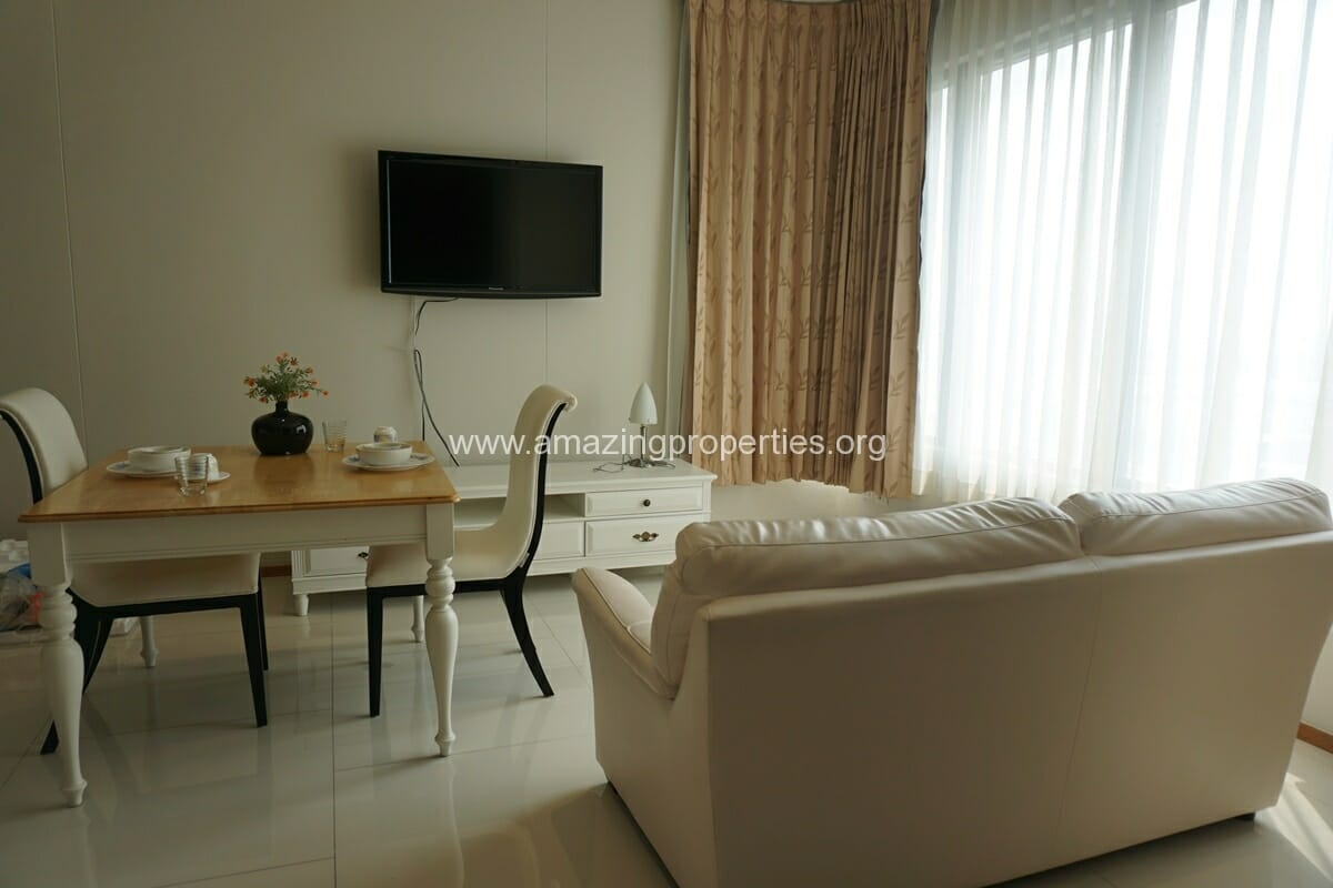 1 Bedroom condo Emporio Place