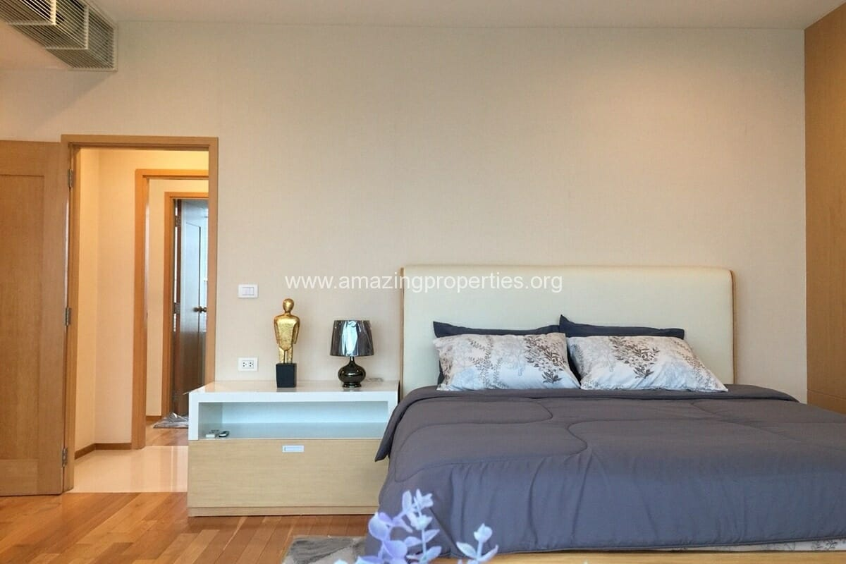 4 Bedroom Condo for Rent Emporio Place (11)
