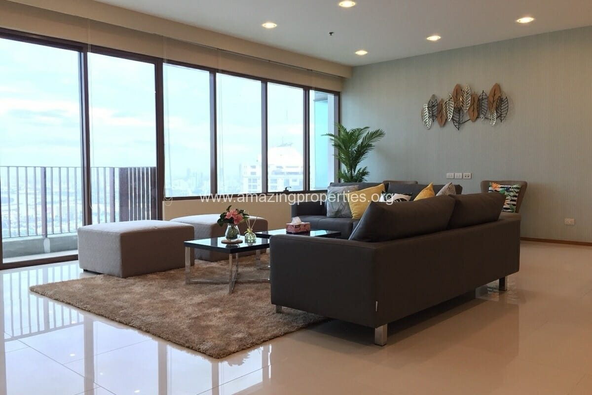 4 Bedroom Condo for Rent Emporio Place (27)