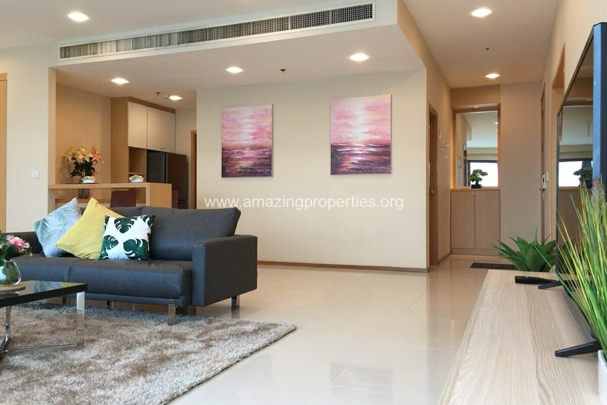 4 Bedroom Condo for Rent Emporio Place (3)