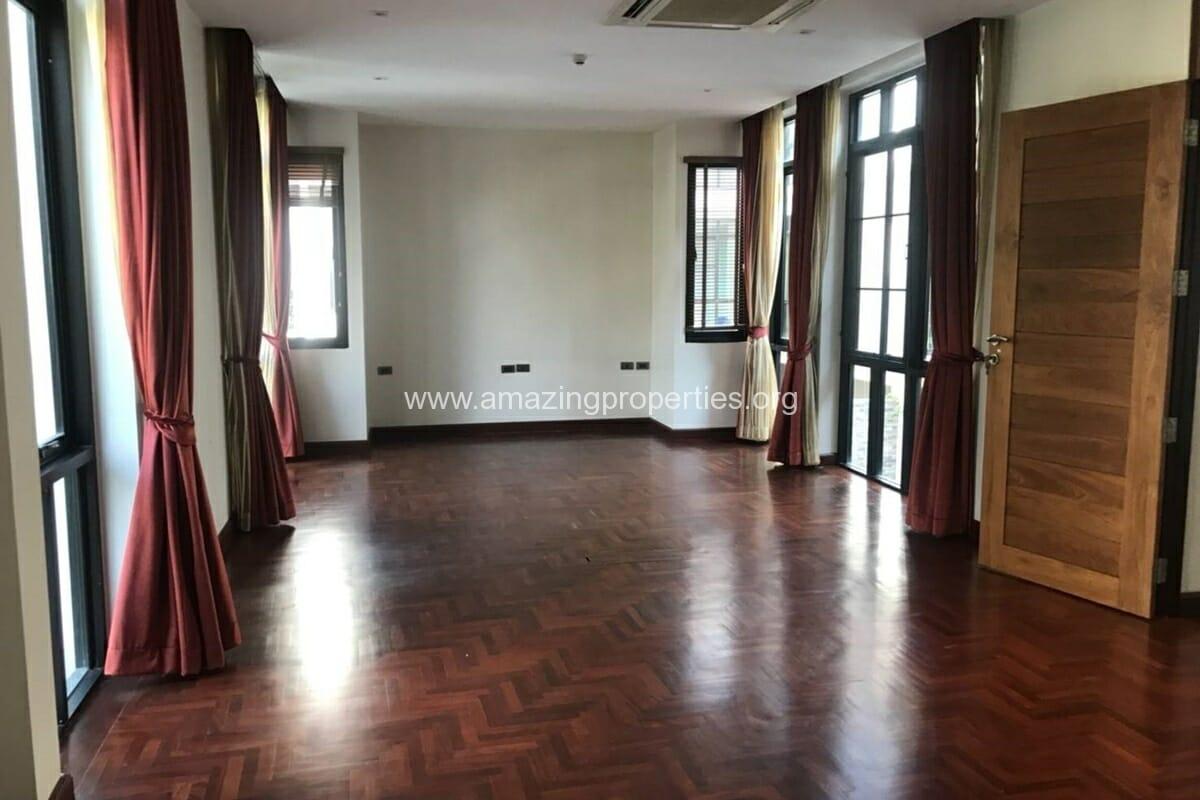 4 Bedroom House Phrom Phong-8