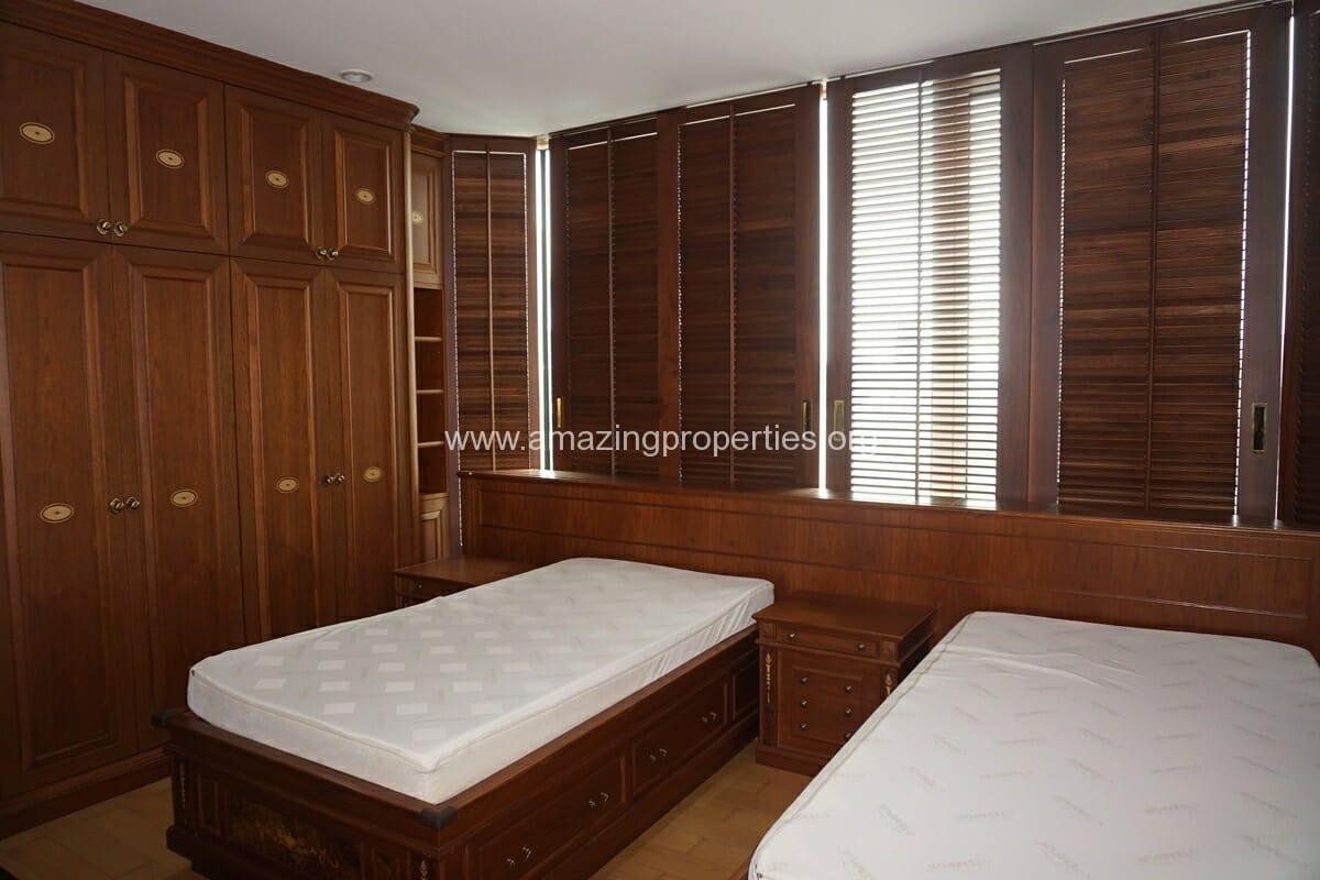 4 bedroom Condo The Park Chidlom-12