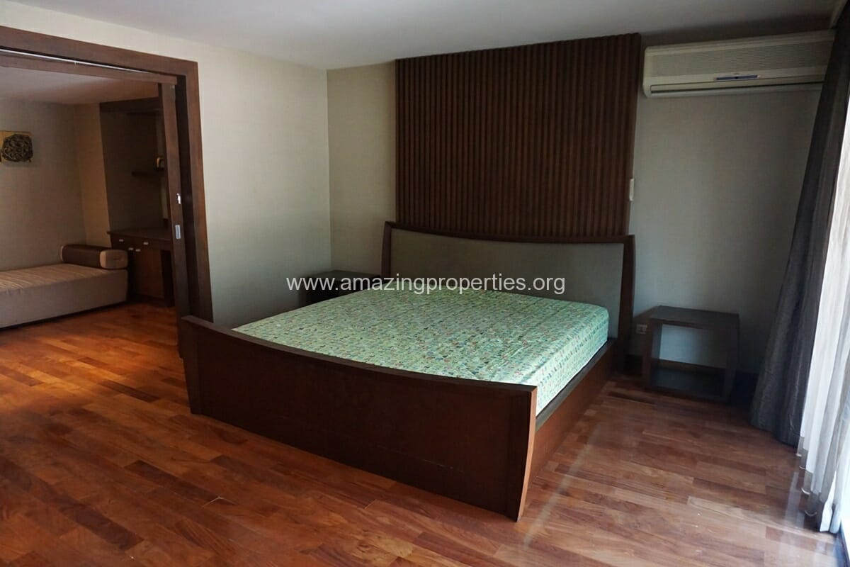 Duplex 1 bedroom condo Urbana Sukhumvit 15-19