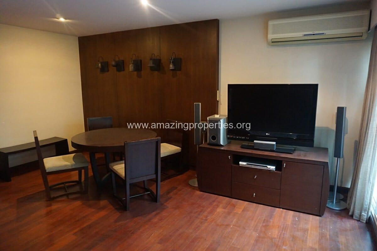 Duplex 1 bedroom condo Urbana Sukhumvit 15-6