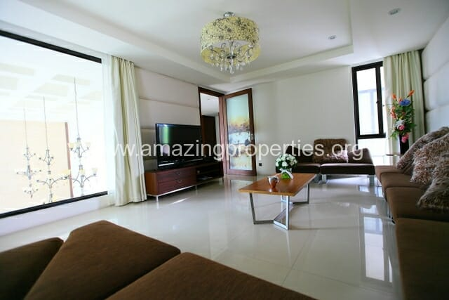 Luxury 8 bedroom House for Sale (24)