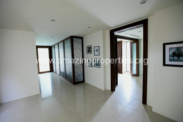 Luxury 8 bedroom House for Sale (28)