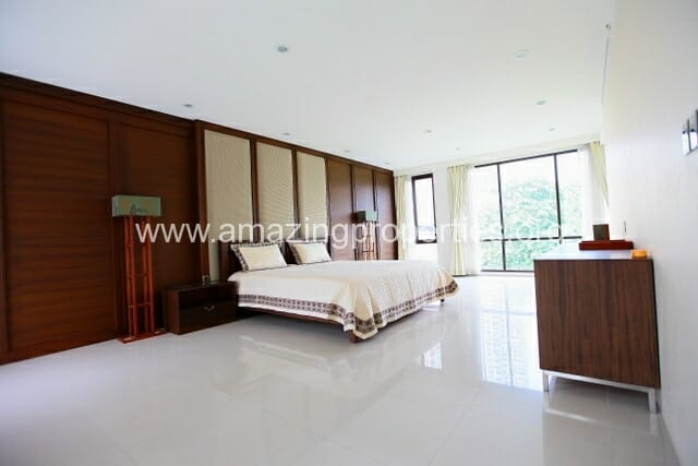 Luxury 8 bedroom House for Sale (30)