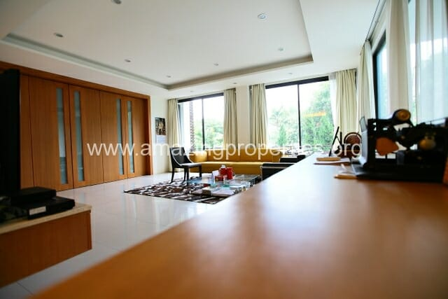Luxury 8 bedroom House for Sale (46)