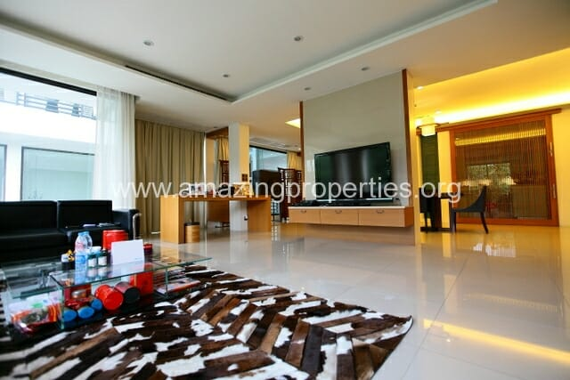 Luxury 8 bedroom House for Sale (47)