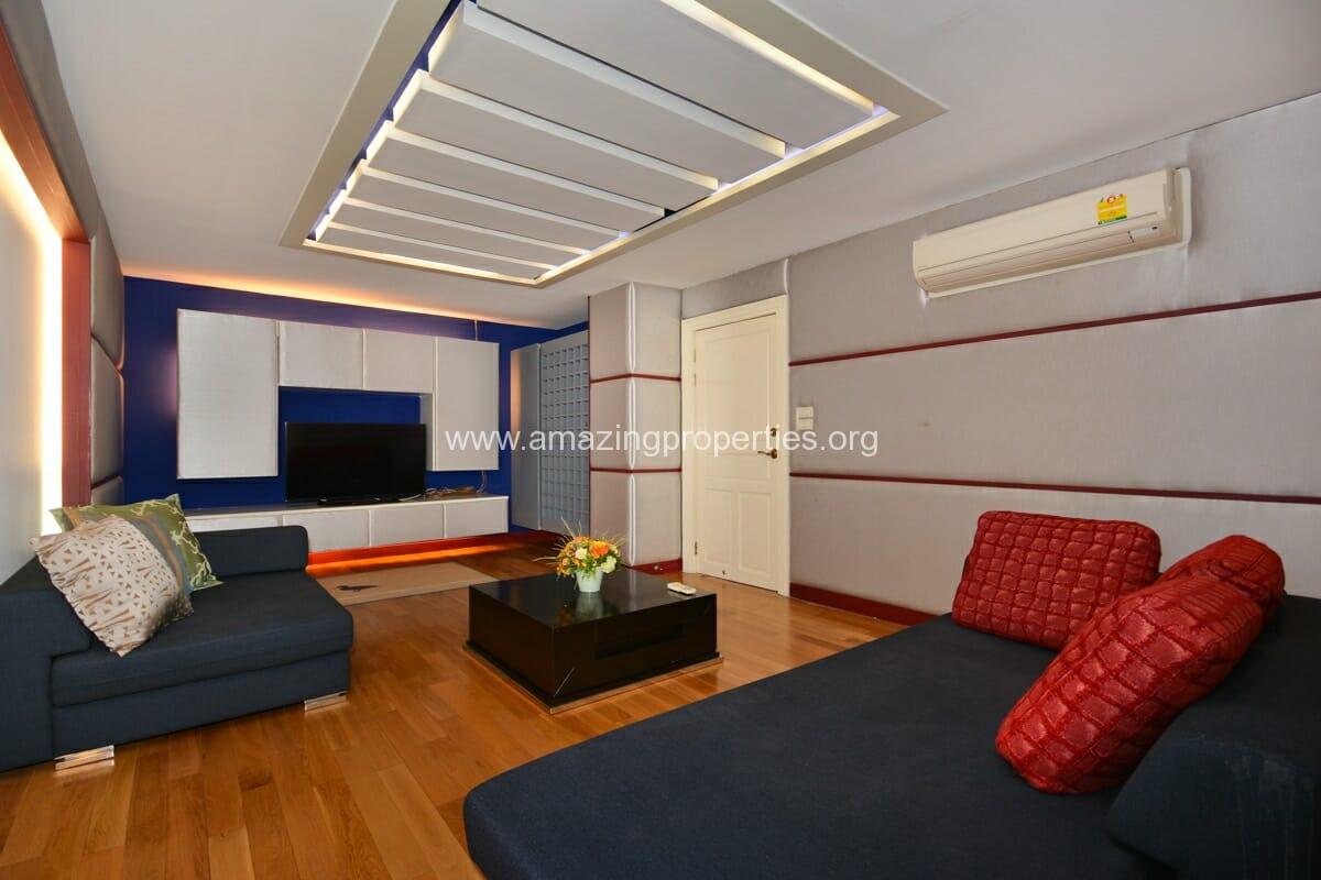 Prime Mansion Promsri 3 Bedroom Condo-9