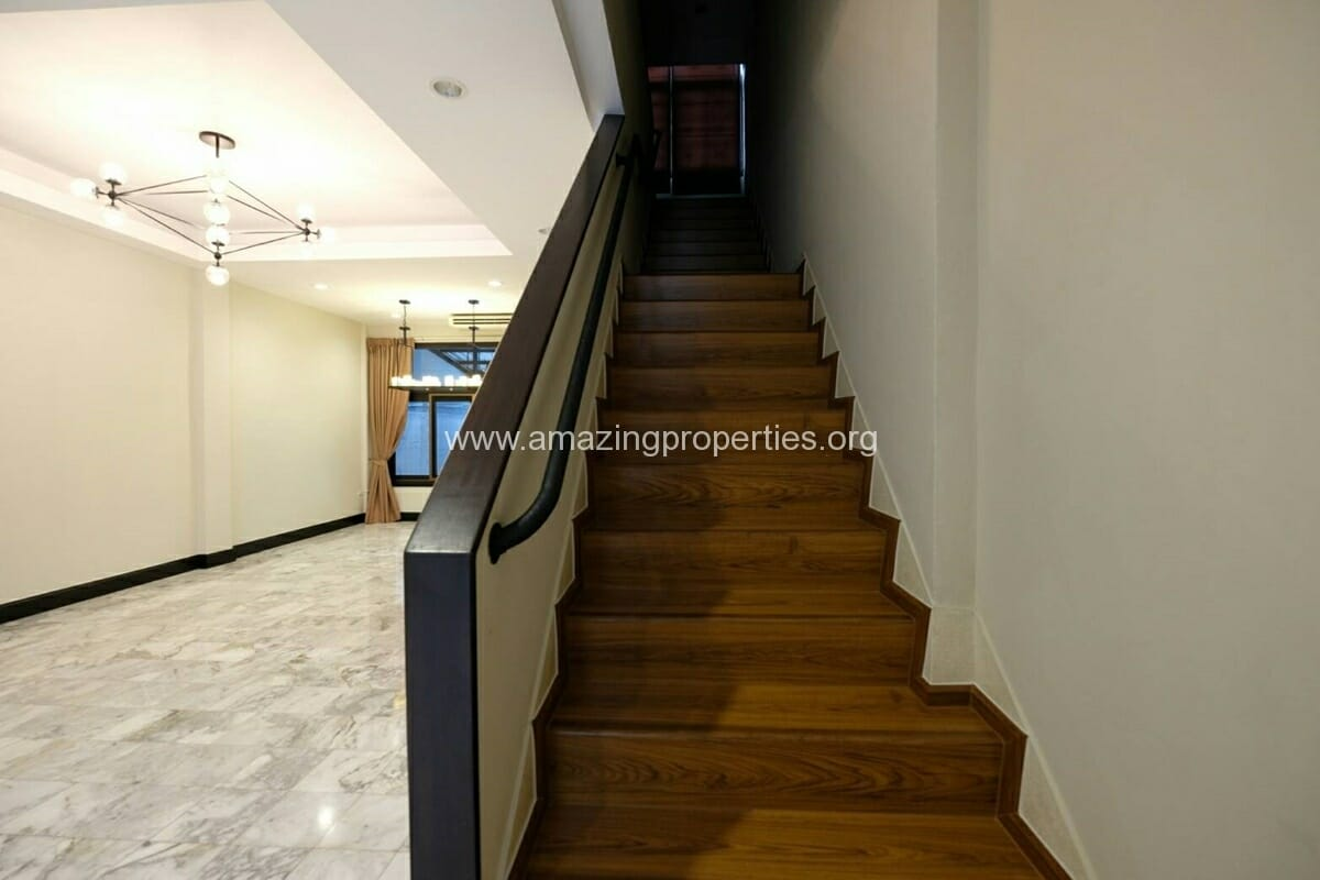 Thonglor 4 Bedroom Townhouse for Rent-1