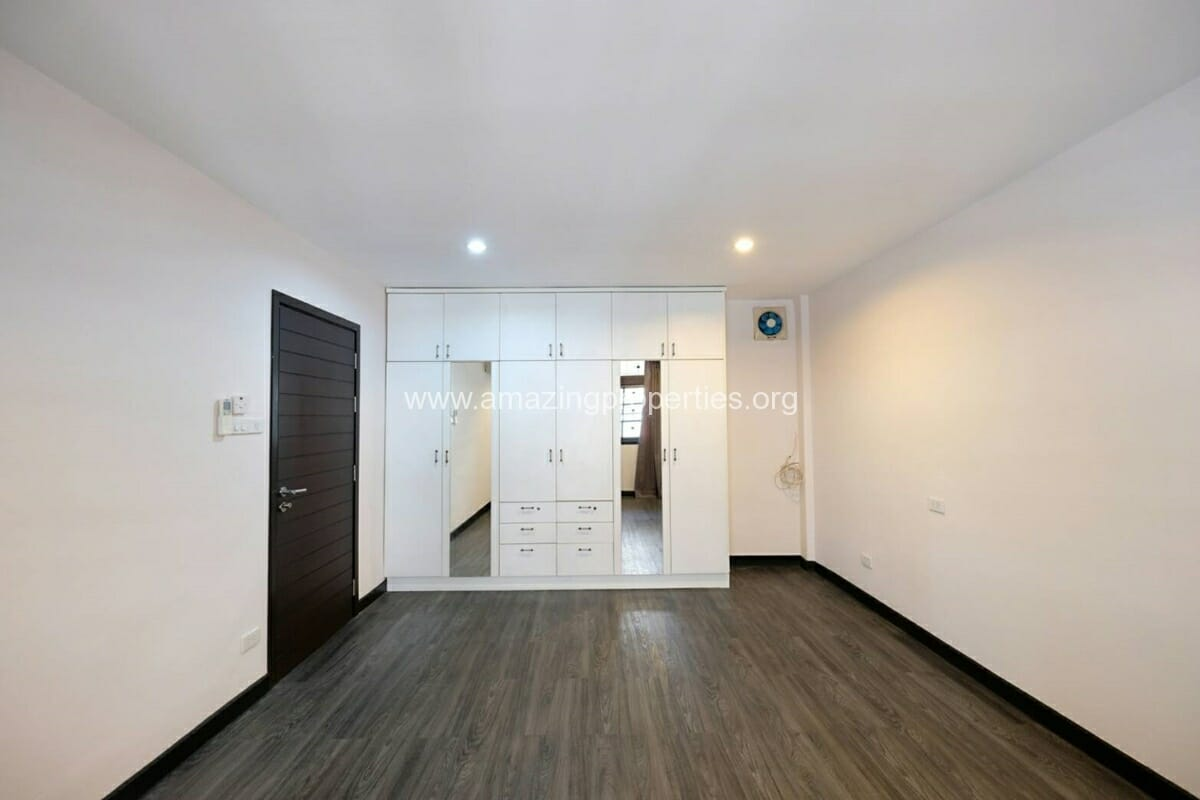 Thonglor 4 Bedroom Townhouse for Rent-10
