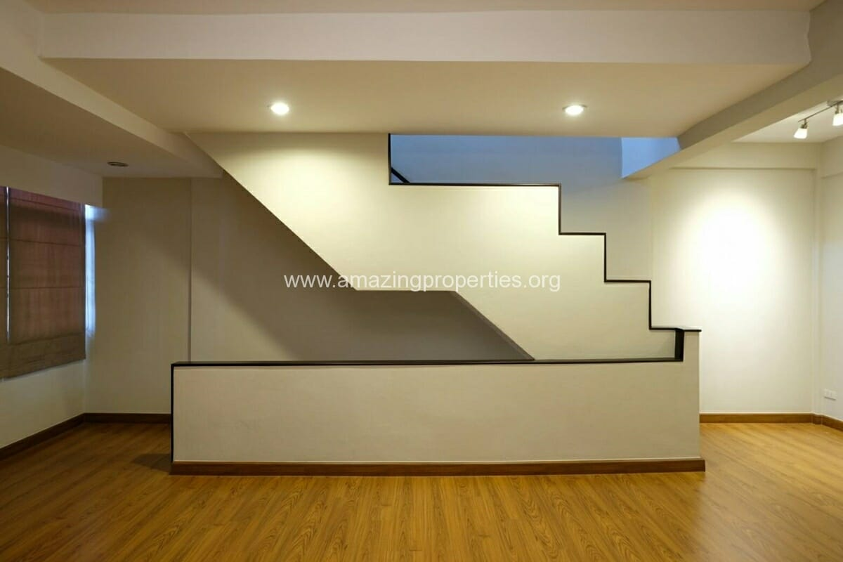 Thonglor 4 Bedroom Townhouse for Rent-16