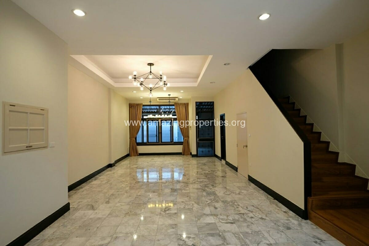 Thonglor 4 Bedroom Townhouse for Rent-19
