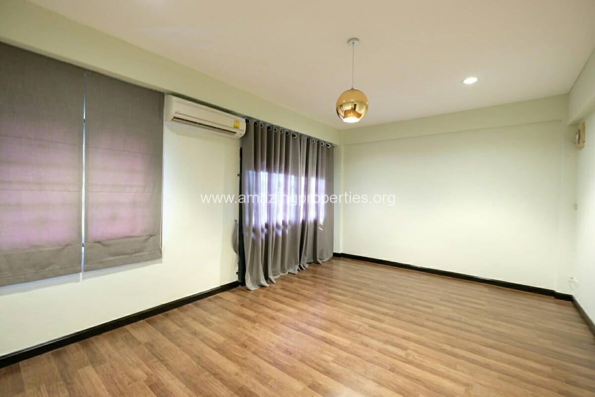 Thonglor 4 Bedroom Townhouse for Rent-5