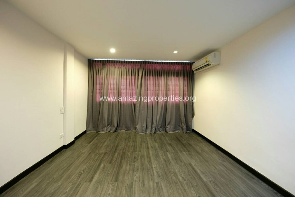 Thonglor 4 Bedroom Townhouse for Rent-6