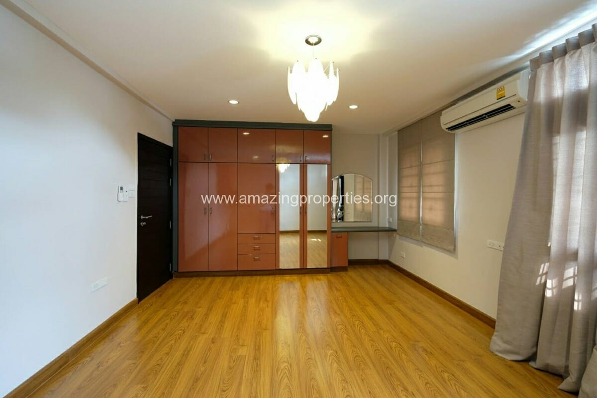 Thonglor 4 Bedroom Townhouse for Rent-8