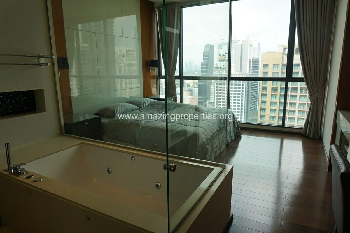 2 Bedroom condo for Sale The Address Sukhumvit 28-16